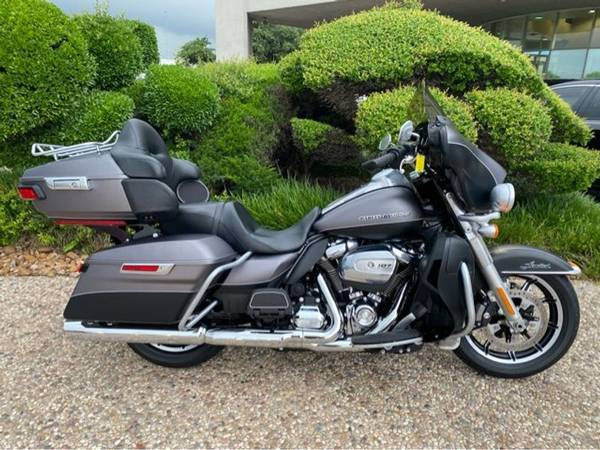 Photo 2017 Harley-Davidson FLHTK Ultra - $23,993 (Harley-Davidson FLHTK Ultra)