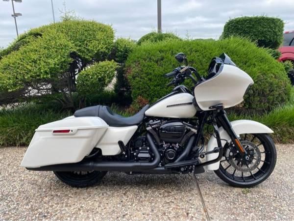 Photo 2018 Harley-Davidson FLTRXS Road Glide Special - $25,984 (Harley-Davidson FLTRXS Road Glide Special)