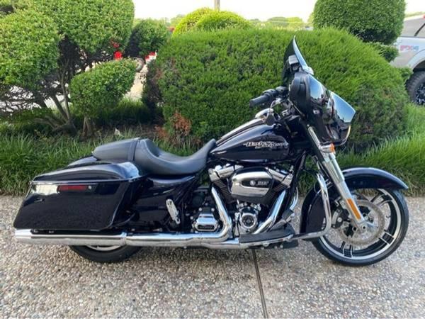 Photo 2019 Harley-Davidson FLHX Street Glide - $22,981 (Harley-Davidson FLHX Street Glide)