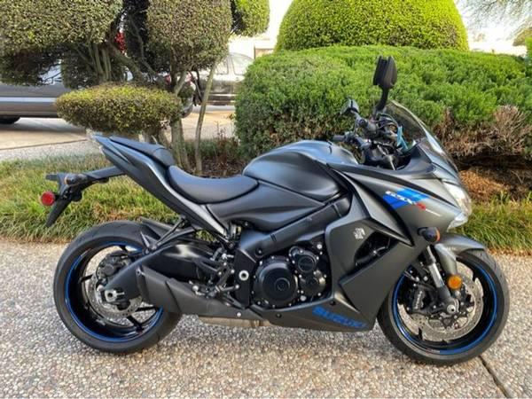 Photo 2019 Suzuki GSX-S1000FZ - $10,500 (Suzuki GSX-S1000FZ)