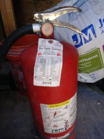 Photo Fire Extinguisher - 20Lb ABC Dry Chemical - $50 (Odessa)