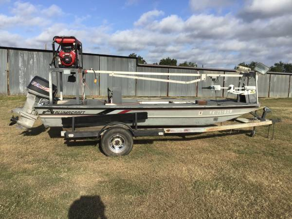 Photo GOOD BOW FISHING BOAT - $6,200 (Abilene)