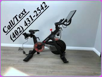 Photo Generation 3 PELOTON Bike - $1,000 (odessa)