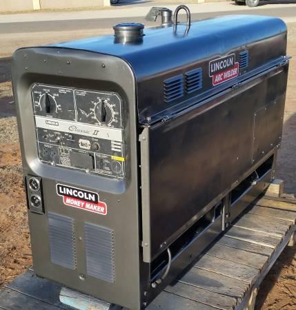 Photo LINCOLN Welder Classic 11D Deutz Diesel - $8,750 (Odessa,Tx.)