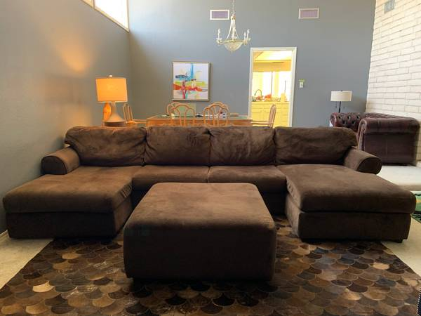 Photo Large Microsuede Sectional Couch with Ottoman, Dark Brown - $350 (Odessa)
