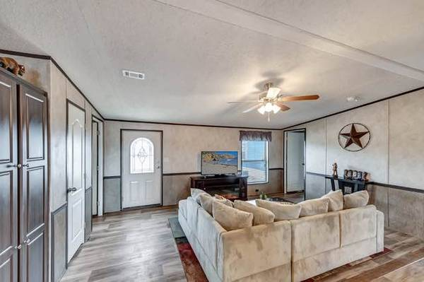 Photo Mobile Home and Land Package Deal Paquete de Casa Mobil y Terreno (Odessa, Texas)
