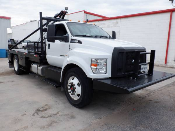 Photo PRICE DROPPED 2017 FORD F-650 ROUSTABOUT - $49900 (Odessa)
