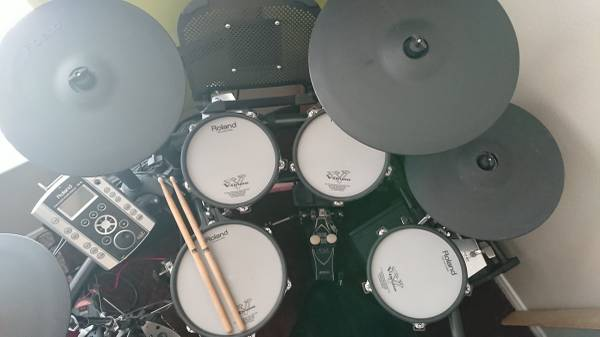 Photo Roland Drum Set, TAMA Pedals, Speaker and more - $2,600 (Midland)