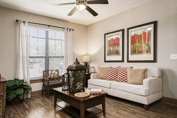 Photo Show stopping apartments (8001 Brownstone rd Odessa, TX)