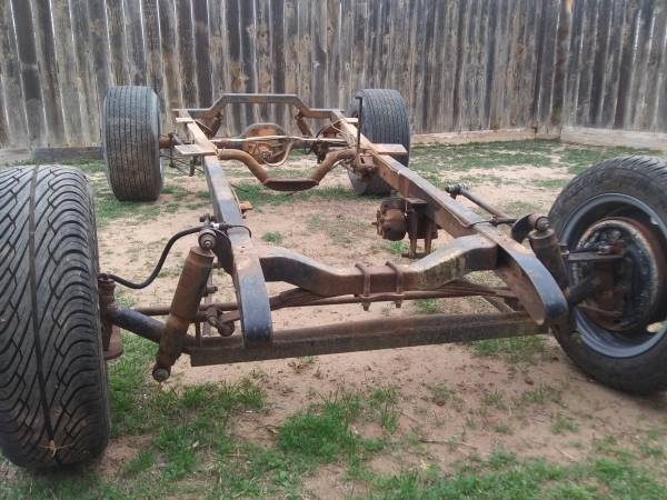 Photo T-bucket rolling chassis  frame sell or trade - $1250 (Big Spring)