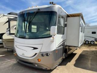 Photo bad creditall credit approved buy here pay here RV dealer (2005 Cross Country)