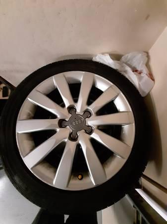 Photo Audi 17 OEM VW Mercedes BMW Wheels 5 x 112 Tires 245 45 17 - $100 (West Haven)