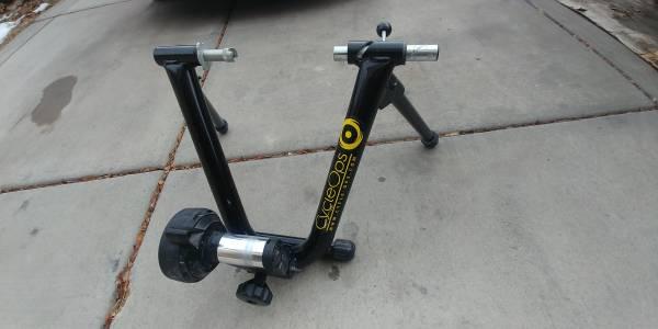 Photo Cycle Ops indoor bike trainer (use your own bike) - $150 (Roy, Utah)