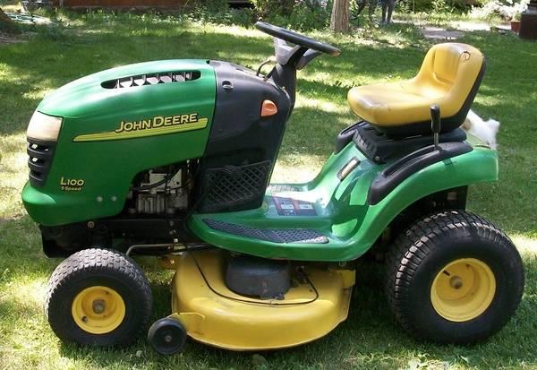 Photo John Deere L100 Riding Mower - $950 (Albion, ID)