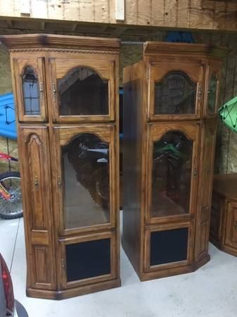 Photo Large Entertainment Center for Flat Screen TV - $500 (Shelley)