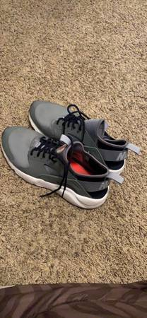 Photo Womens 9 - Nike Air Huaraches for Sale - $80 (Layton, UT)