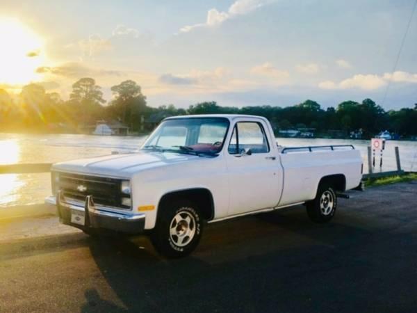 Photo 1986 Chevy C-10 Pickup Truck - $7000 (Fort Walton Beach)