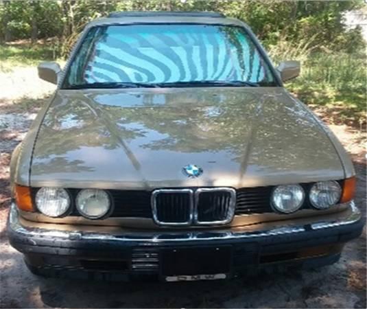 Photo 1992 BMW E32 - 735 iL Sedan (Extra leg room) - $4800 (Inlet)