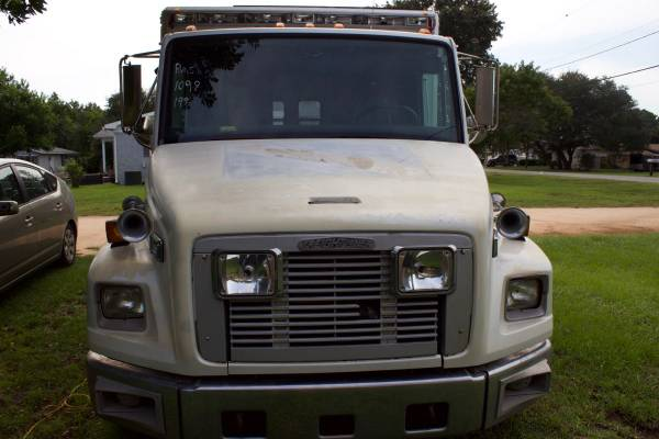 Photo 1996 Freightliner Ambulance Cer Conversion - $15,500