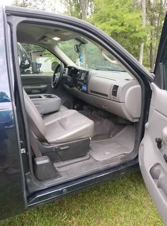 Photo 2007 Chevy Silverado - $4500 (Westville)
