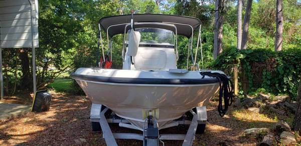 Photo 2010 Boston Whaler Dauntless 180 wtrailer NICE BOAT- LOW HOURS - $25900 (Shalimar)