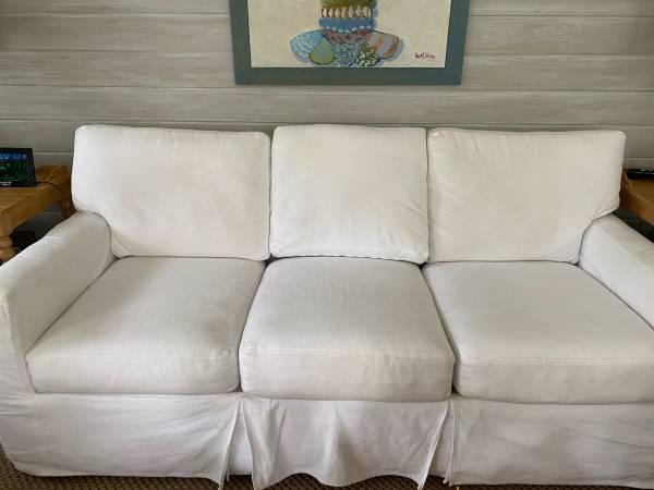 Photo Free 78 white slipcover sofa (Seagrove Beach)