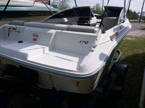 Photo Sea Ray Open Bow Like New Fast, Safe n Comfortable Ready 4 Water - - $7,990 (Mary Esther)