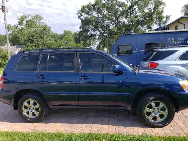 Photo Toyota Highlander SUV 2007 Blue LOW Miles - $9,500 (fort walton beach)