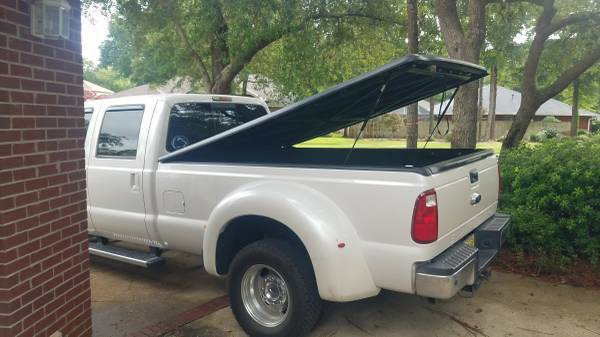 Photo Undercover Classic 2123 Tonneau Cover - 08-16 long bed Ford - $300 (Niceville, FL)