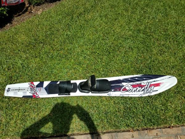 Photo Used 1 Time - Connelly Pilot Wide Body Slalom Ski - $60 (okaloosa co)