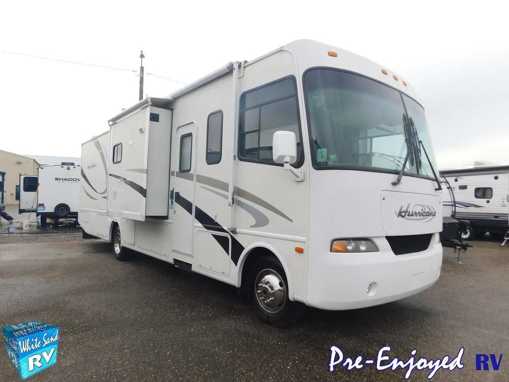 Photo Used 2005 Four Winds Class A RV  $24999