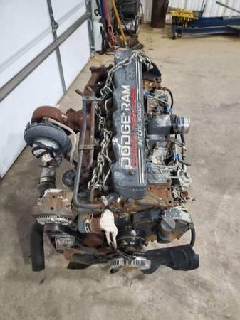 Photo 12 valve Cummins engine - $2,800 (Gainesville)
