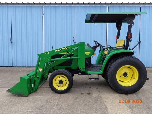 Photo 1999 John Deere 4300 Tractor and 430 Loader - $14500 (Pottsboro, TX)