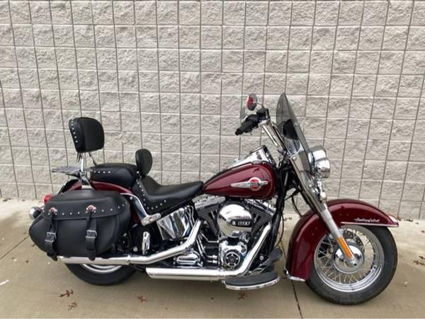 Photo 2017 Harley-Davidson FLSTC Heritage Softail Classic - $14,991 (Harley-Davidson FLSTC Heritage Softail Classic)