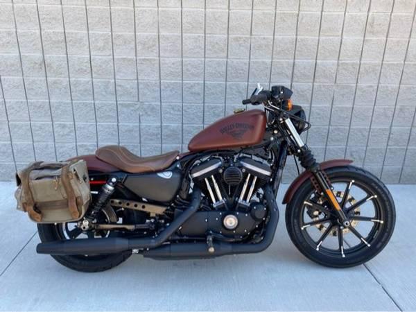 Photo 2017 Harley-Davidson XL883N Sportster Iron 883 - $7,988 (Harley-Davidson XL883N Sportster Iron 883)