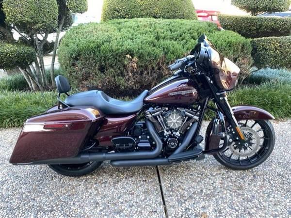 Photo 2018 Harley-Davidson FLHXS Street Glide Special - $22,752 (Harley-Davidson FLHXS Street Glide Special)