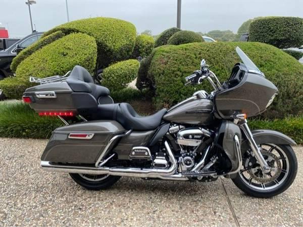 Photo 2018 Harley-Davidson FLTRU Road Glide Ultra - $23,751 (Harley-Davidson FLTRU Road Glide Ultra)