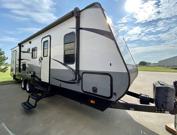 Photo 2018 Starcraft Launch Outfitter 27BHU - $18,999