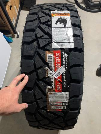 Photo 37x12.50r17 Nitto Ridge Grappler - $325 (Mustang)