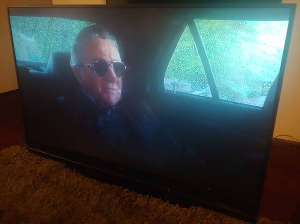 Photo 70 Inch Mitsubishi TV for sale - $150 (Oklahoma city)
