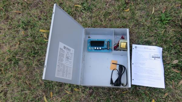 Photo Altronix 12V DC Power Supply ... New - $120 (Norman)