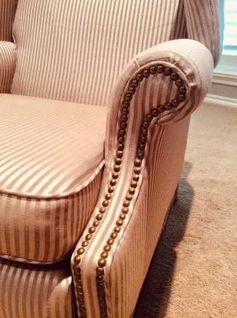 Photo Barcalounger recliner - $150 (Edmond)