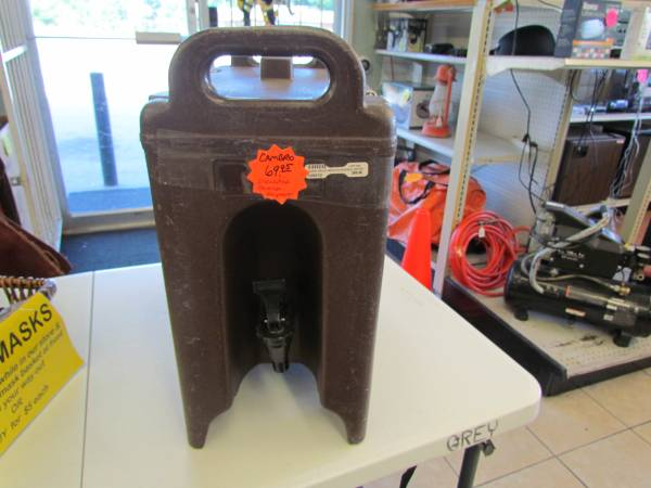 Photo Cambro Brown 250LCD 2.5 Gal. Beverage Camtainer - Used - $50 (Guthrie)