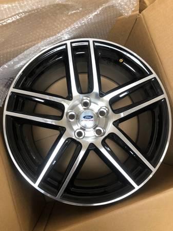 Photo Ford Racing Wheels for Mustang - $200 (Oklahoma City)