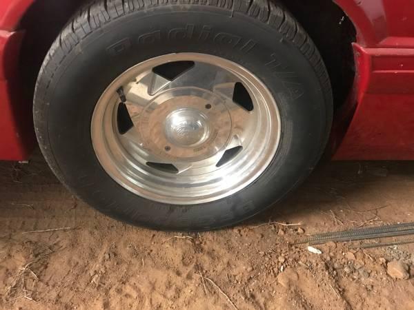 Photo Foxbody ford mustand 4 lug centerline wheels - $300 (Kremlin)