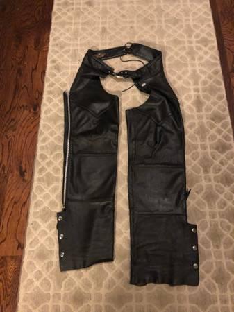 Photo Harley Davidson Mens Basic Skins Black Leather Riding Chaps - $100 (Edmond OK)