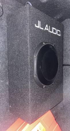 Photo JL Audio 10 subwoofer with built in  - $500 (Davis)