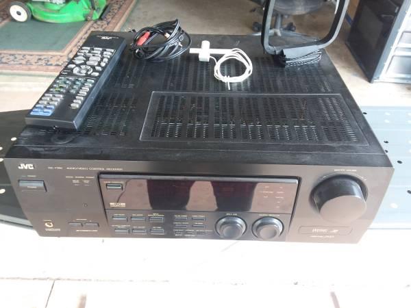 Photo Jvc rx-778v audio video control center - $125 (OKLAHOMA CITY)