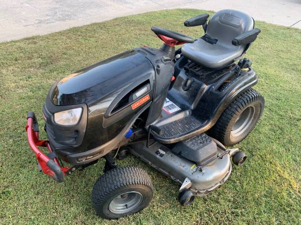 Photo Large Craftsman Lawn  Garden Tractor 26hp 54 Deck w 3 Bag 9 Bushel Debris C - $1,500 (NW OKC by Lake Overholser)