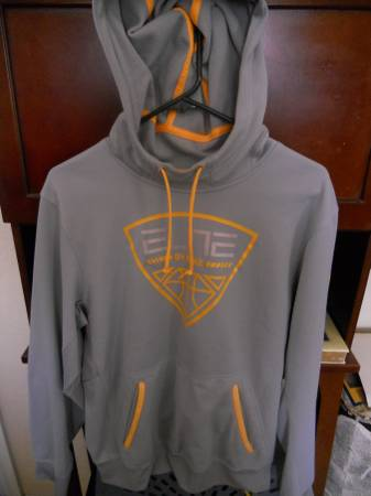 Photo MENS SMALL NIKE ELITE THERMA FIT BASKETBALL HOODIE LIGHT GREYYELLOW - $20 (SW MOORE OJKLAHOMA)